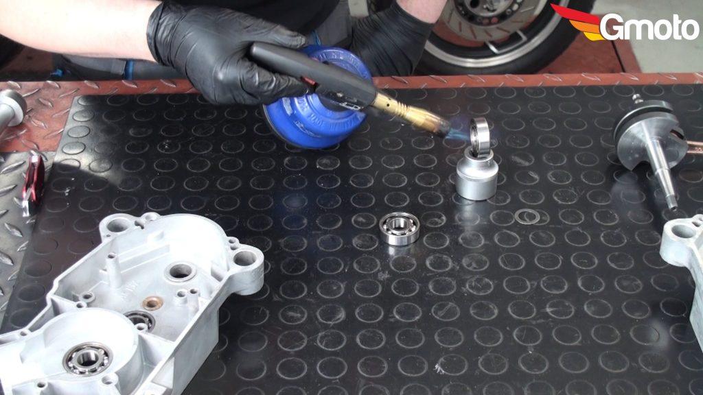 montaż łożyska wał korbowy motorynka silnik nowe